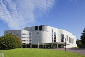 Das Aalto Theater Essen ist auch architektonisch gesehen eine besondere Sehenswürdigkeit im Ruhrgebiet © TUP Essen / Bernadette Grimmenstein
