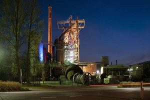 Der Hochofen der Henrichshütte bei Nacht. Foto: LWL/Hudemann