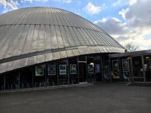 Das Planetarium in Bochum - Außenansicht Foto: Ruhrgebietaktuell/Janine Sauer-Crepulja