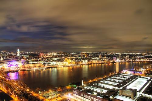 Köln bei Nacht - Foto: Harald Bardernhagen | Veranstaltungen Planetarium Bochum