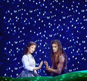 Disneys Musical TARZAN ab Herbst 2016 im Stage Metronom Theater am CentrO Oberhausen Tarzan und Jane Foto: Stage Entertainment/Morris Mac Matzen