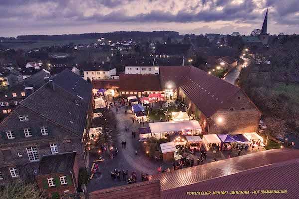 Der Weihnachtsmarkt in Fröndenberg-Frömern gehört zu den gemütlichsten Weihnachtsmärkten in NRW Foto: Michael Abraham