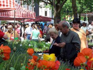 Blumenmarkt Essen Der Blumen- und Gartenmarkt in Essen-Steele erfreut sich größter Beliebtheit Foto: Veranstaltungsagentur Prinz