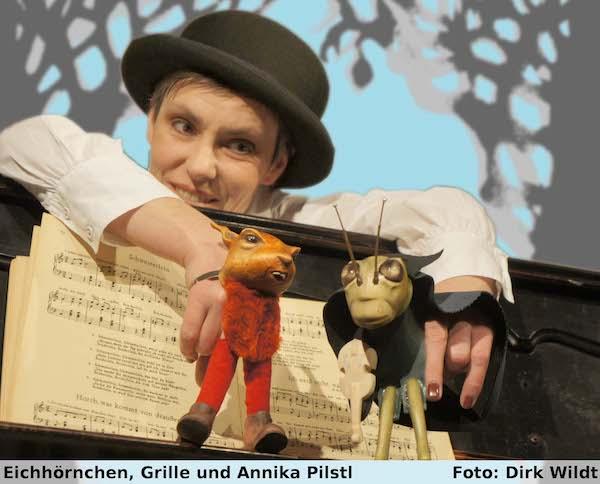 """Das Ensemble """"die exen"""" lässt die Tiere der Fabel """" Das Lied der Grille """" lebendig werden - im Februar im Kulturbahnhof in Hamm"""