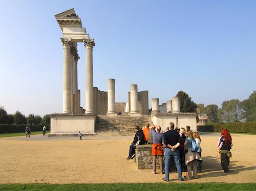 Eine Reise in die Antike können Familien im Archäologischen Park Xanten unternehmen. Nicht nur in den Führungen gibt es Unglaubliches zu entdecken. Foto Axel Thuenker DGPh
