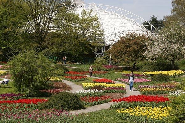 Im Sommer finden im Musikpavillon zahlreiche Konzerte statt u.a. auch die beliebten Sonntagskonzerte. Foto © Grugapark Essen
