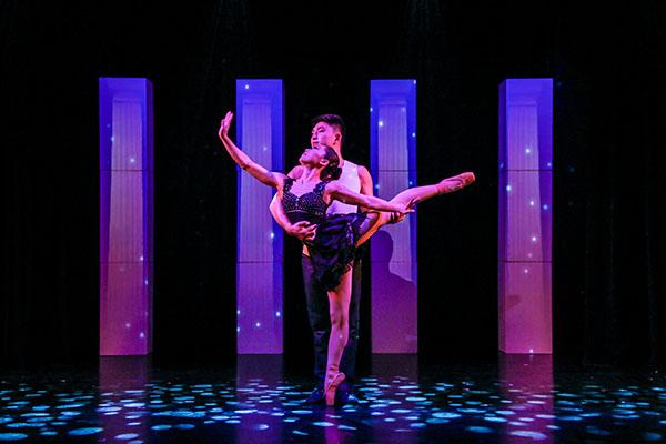 Traumhaft wie im Märchen, tanzt das Ballett on Shoulder dem Winterblues einfach davon Foto: Frank Wilde