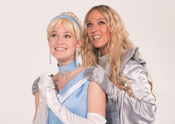 """Keine geringere als die Popsängerin Loona spielt die gute Fee in """" Cinderella - Das Popmusical"""" Foto: On Air Family Entertainment GmbH"""