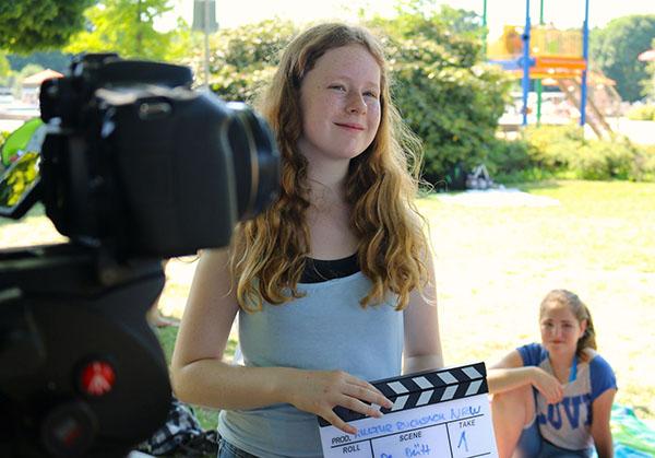 """Im Rahmen der Kulturrucksack-Workshops in den Herbstferien bietet das Jugendzentrum LUX eine """"Einführung in die Filmtechnik"""" ein. Foto: Sonja Bansemer"""