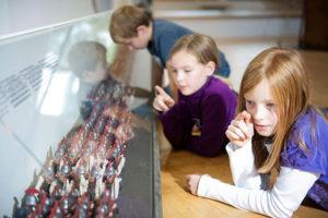 Sind das wirklich 15.000 Minilegionäre auf ihrem Weg in die Varusschlacht? Foto: LWL-Römermuseum