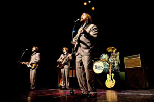 Die vier Sänger von The Beatles Connection begeistern mit Evergreens der 60er Jahre Foto: World of Dinner/The Beatles Connection