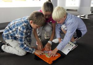 Kinder auf Entdeckertour auf der Rätsel-Reise Ruhr Museum in Essen Foto: Tim Schröder © Ruhr